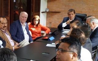 Alan García presenta equipo de técnicos de Alianza Popular