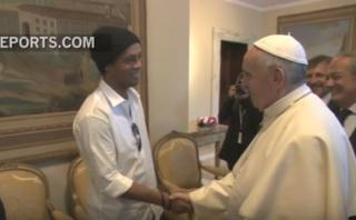 Ronaldinho se vio en aprietos con preguntas del Papa Francisco