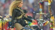 Beyoncé se salvó de una caída en su show de Super Bowl [VIDEO]