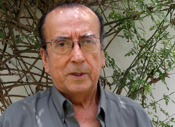 Alvarado denuncia amenazas tras ratificar autoría de libro