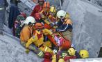 Terremoto en Taiwán: La implacable búsqueda bajo los escombros
