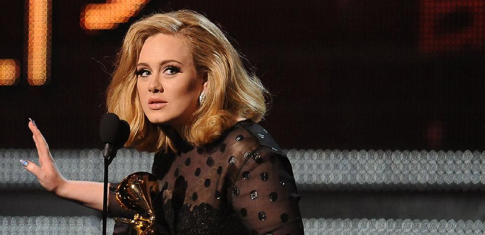 Adele fue nombrada la Artista del 2015