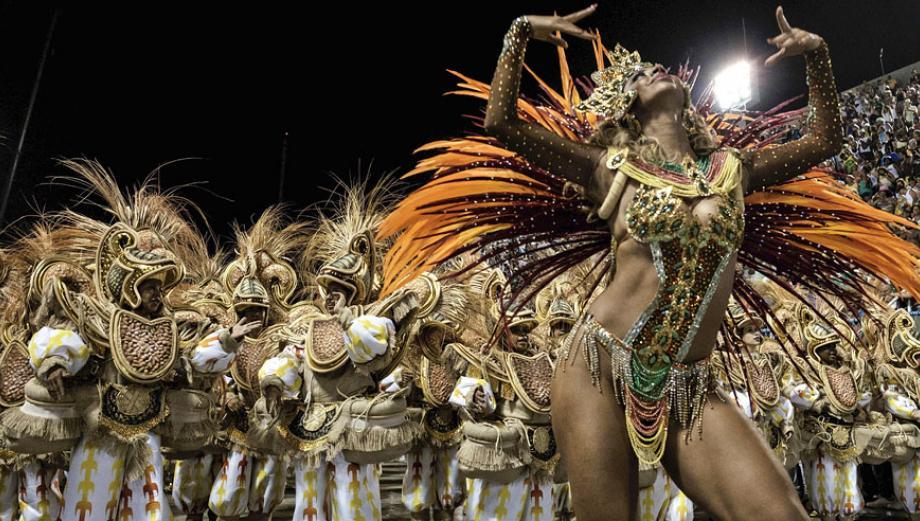 Las escuelas de samba aceleran el ritmo del carnaval de Río