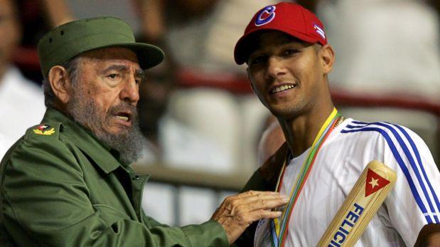 Estrella del béisbol de Cuba deserta en República Dominicana