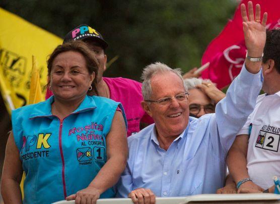 ¿Rosa Núñez usó recursos de la César Vallejo para su campaña?