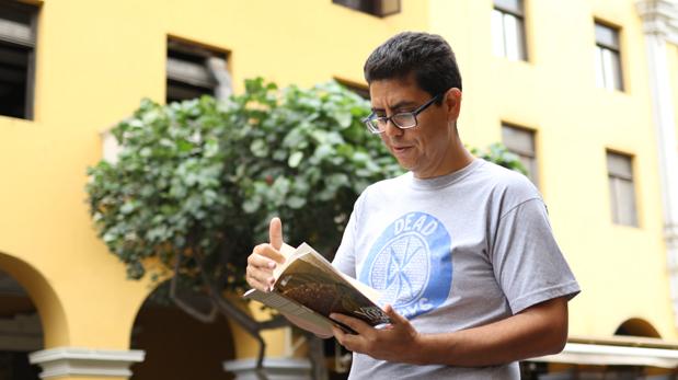 Ernesto Carlín nos lee un fragmento de