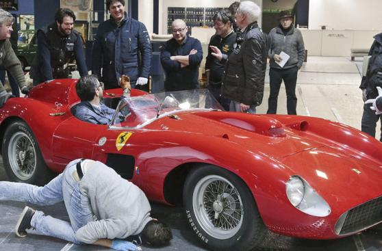 Messi y las fotos del espectacular Ferrari que habría comprado