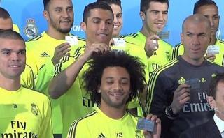 Cristiano Ronaldo bromeó con cabello de Marcelo en foto grupal