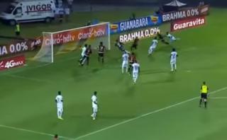 Paolo Guerrero anotó de 'palomita' en Torneo Carioca [VIDEO]