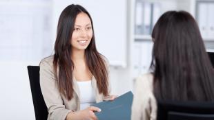 Aumenta tu seguridad durante una entrevista con estos consejos
