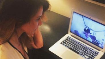 La foto de Kate del Castillo viendo narcocorrido de El Chapo