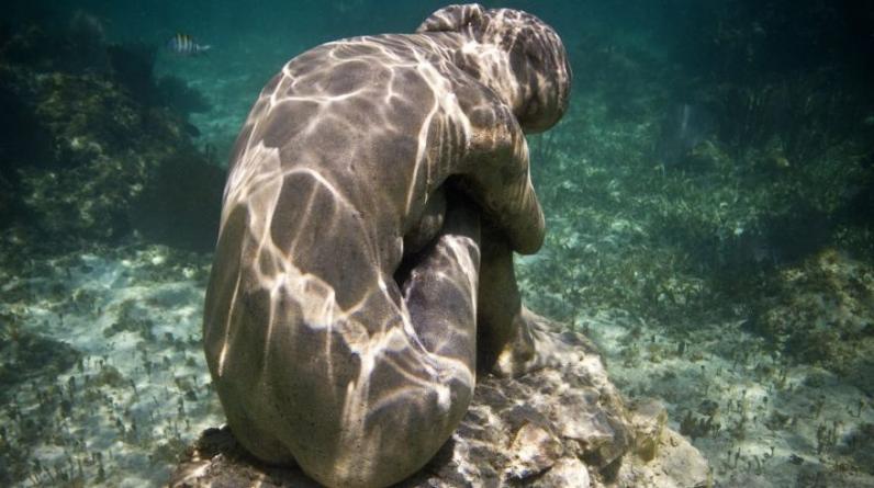 Las esculturas se pueden ver desde la superficie cuando el mar está en calma. (Foto: Facebook del Museo Atlántico)