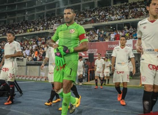 Raúl Fernández se rompió ligamento y será baja por varios meses