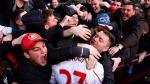 En San Valentín hincha besó a jugador del Liverpool [FOTOS] - Noticias de kolo toure