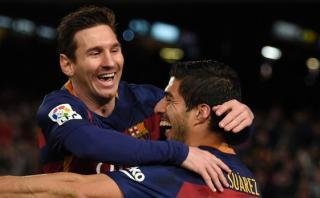 El penal de Messi y Suárez visto en otros equipos (CARICATURAS)