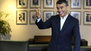 Julio Guzmán con un pie en la cornisa, por Fernando Vivas