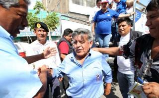 El silencio de sus voceros genera malestar de César Acuña