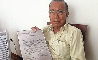 Acuña se defendió de plagio de libro con documento falsificado