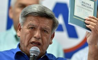 César Acuña: la falsificación de documentos tiene sanción penal