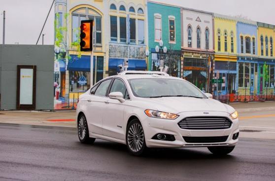 Ford ya prueba sus vehículos autónomos en Mcity