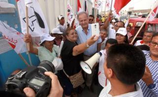 GFK: Alfredo Barnechea sube al cuarto lugar y desplaza a García