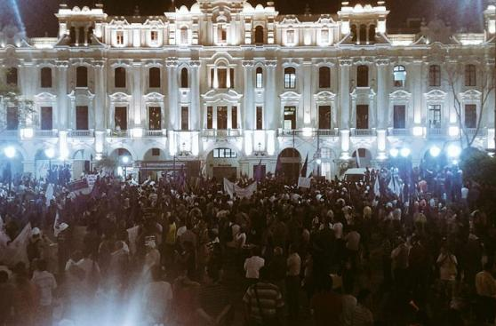 Julio Guzmán lideró concentración en la plaza San Martín