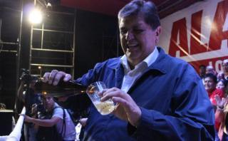 """""""Alan García solito se jaranea"""", una crónica de Ricardo León"""