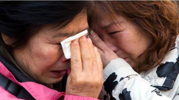Los familiares de las víctimas del MH370 siguen sin tener respuestas oficiales sobre lo que pasó con el avión. (Foto: AP)