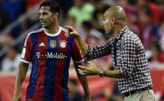 Pep Guardiola no se cansa de elogiar a Claudio Pizarro