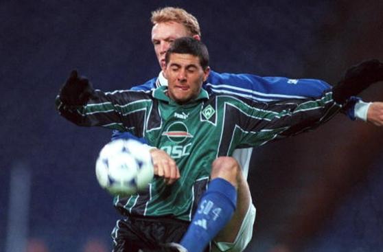 Claudio Pizarro: de 21 a 37 años haciendo goles en Alemania