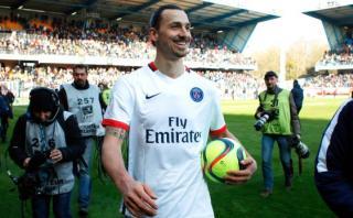 """Zlatan: """"Si reemplazan Torre Eiffel por mi estatua sigo en PSG"""""""