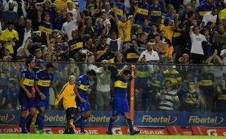 Carlos Tevez le dio la victoria a Boca y la Bombonera 'explotó'