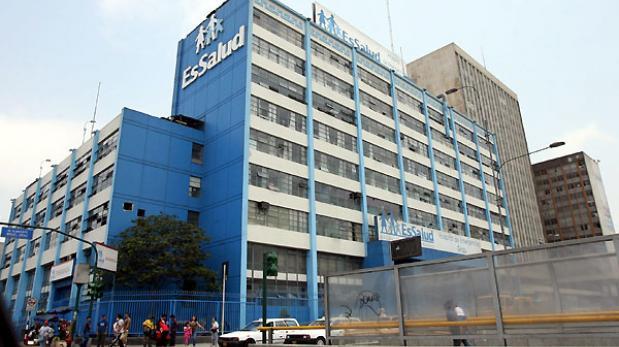 Pleno aprobó que trabajadores CAS de Essalud pasen a planilla