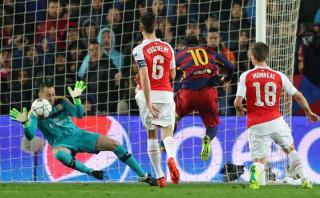 Lionel Messi tuvo mano a mano y David Ospina lo atajó [VIDEO]