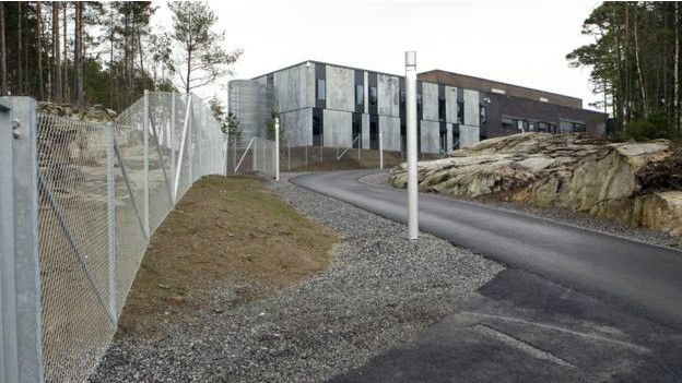 La cárcel de Halden fue construida en medio de bosques y montañas para beneficio de los presos. (Foto: Getty Images)