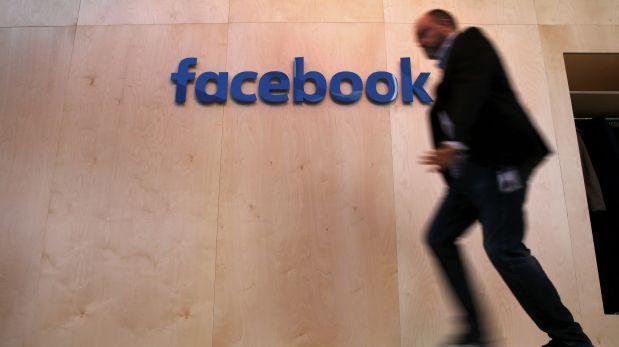 BlackBerry manifiesta su decepción contra WhatsApp y Facebook