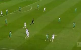 Claudio Pizarro humilló a rival con sensacional huacha [VIDEO]