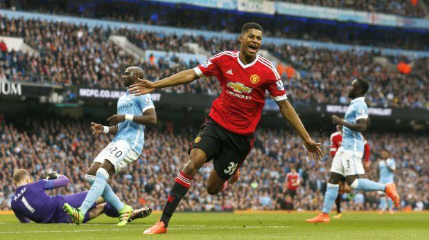El United vence el derby de Manchester y el Leicester resiste arriba
