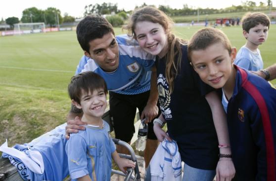 Luis Suárez regresó a su selección tras 20 meses (FOTOS)