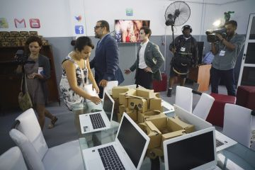 El interior del estudio de Google en Cuba. (AP Photo/Ramon Espinosa)