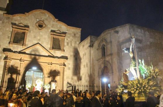 Con procesión del Cristo de la Caridad comenzó la Semana Santa