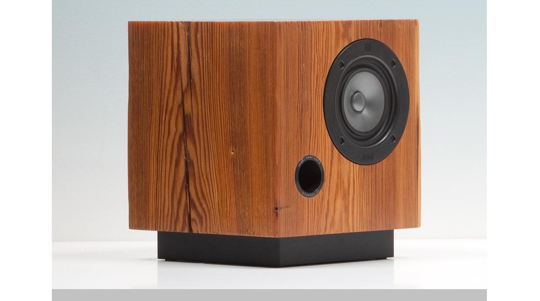 [Foto] Sonido natural: Estos parlantes son hechos con madera reciclada