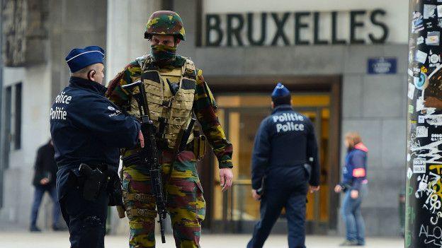 Los militares han tenido una presencia más visible en algunas ciudades de Bélgica desde noviembre. (Foto: AFP)