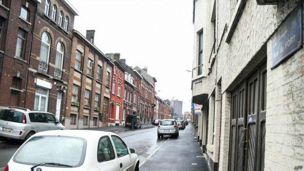 La policía belga llevó a cabo un operativo en la calle Fort (en la imagen). (Foto: AFP)