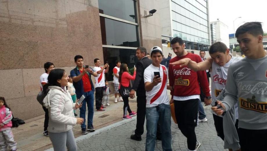 Selección: el día de la blanquirroja en Montevideo [GALERÍA]