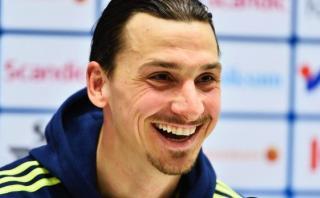 Zlatan Ibrahimovic admite que podría jugar en la Premier League