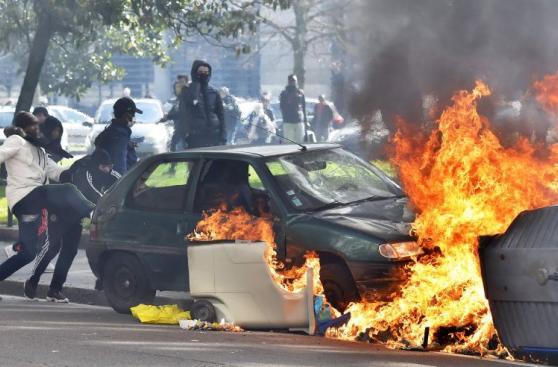 Violenta protesta contra reforma laboral en Francia [FOTOS]