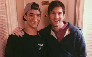 El hijo de Mourinho posa sonriente junto a Messi en Twitter