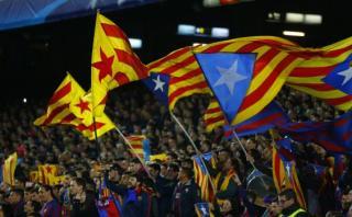 ¿Por qué el Camp Nou pifió el himno de la Champions League?