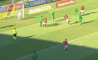 Paolo Guerrero falló increíble ocasión de gol con Flamengo